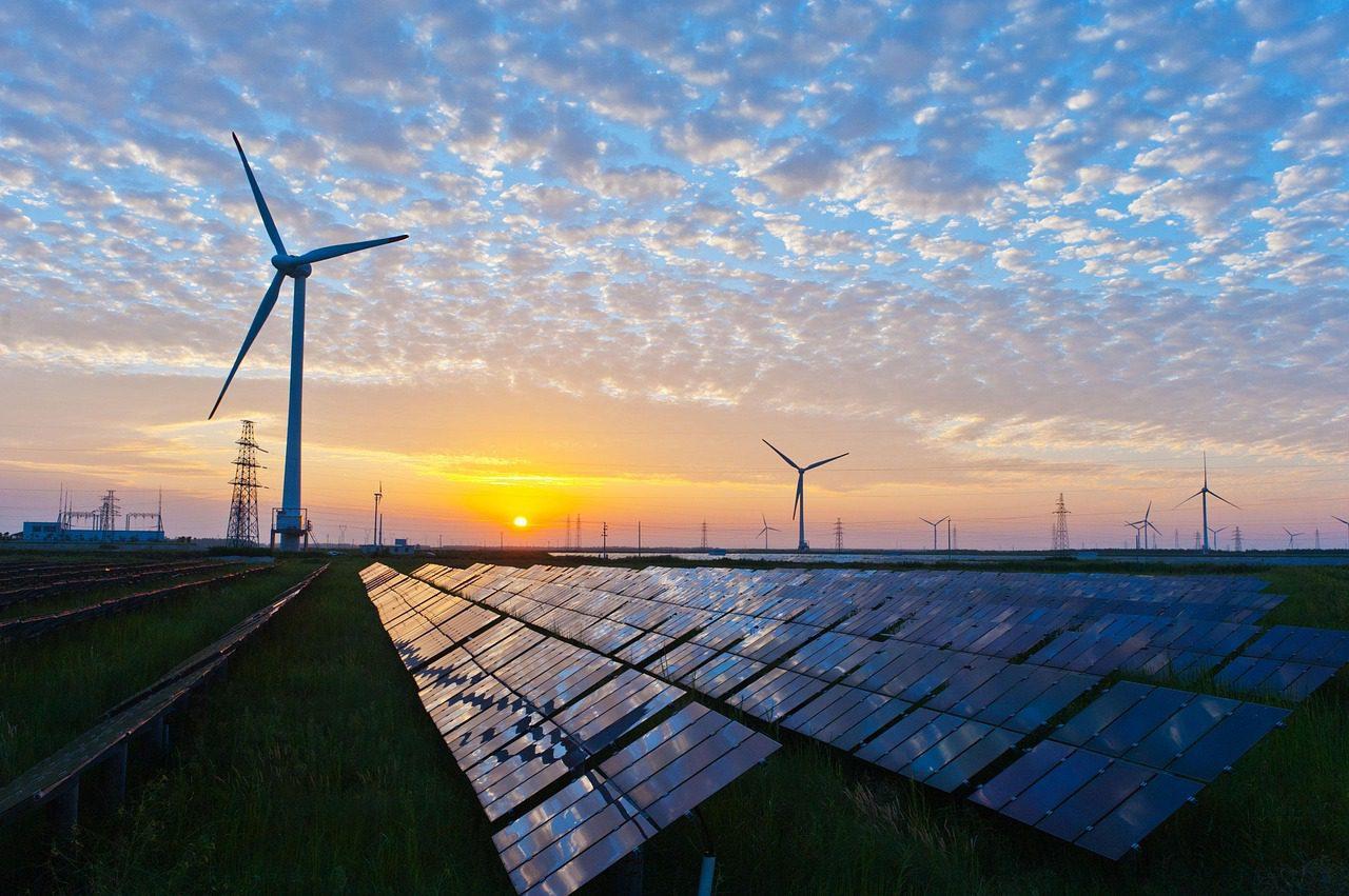 solar_panels_wind_Turbines